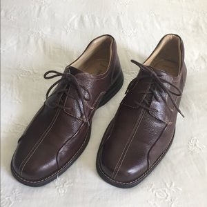 Johnston & Murphy 10.5M Lace Up